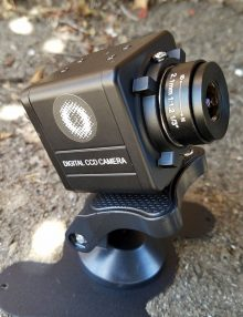 RI2 with lens on stand